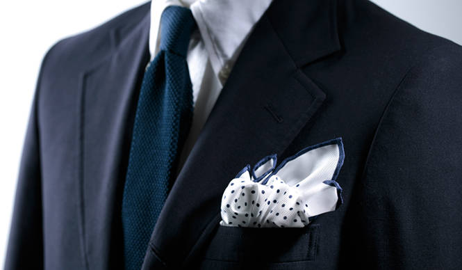 初夏の装いに華やかさをくわえるフェアファクスのポケットチーフ|FAIRFAX