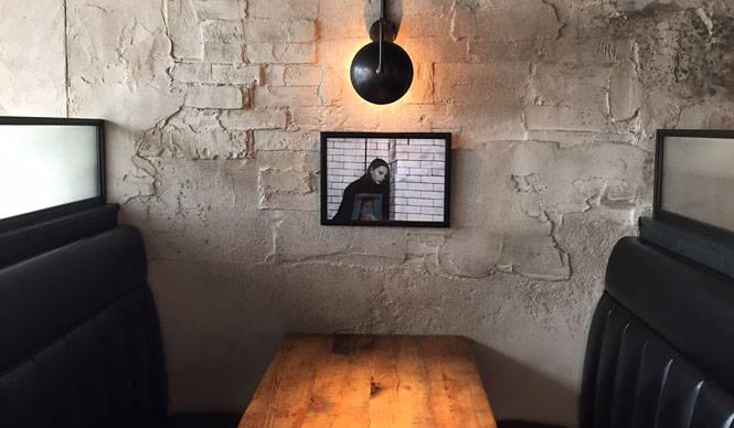EAT|アーティスティックな空間で食と音楽が楽しめるダイニングバー「SMITH」がオープン