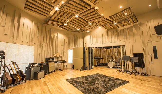 MUSIC│あたらしいクリエイティブの現場「レッドブル・スタジオ東京」