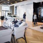 アストンマーティン、フォルムイタリアとの新作家具をミラノサローネで発表|Aston Martin