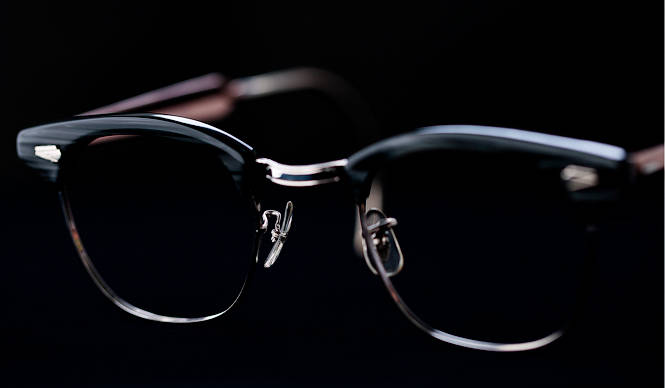 """特集 ヴィンテージから新作まで、いま欲しいのは """"クラシックな眼鏡"""" Vol. 03「ブロウ」"""