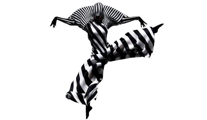 プリーツ プリーズ イッセイ ミヤケの躍動感を写真で体感 PLEATS PLEASE ISSEY MIYAKE