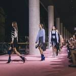 ディオール、国立新美術館で2015-16年秋冬コレクションショーを開催|Dior