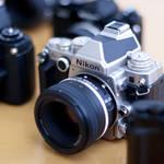 特集|もつ喜びのあるカメラ デジタルカメラに受け継がれる クラシックデザインの正体