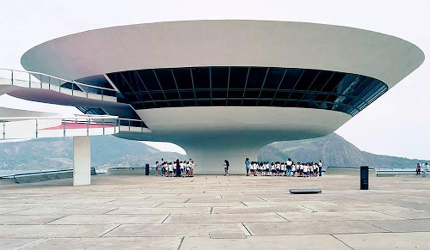 ブラジルの近代建築の父「オスカー・ニーマイヤー展」が開催|東京都現代美術館