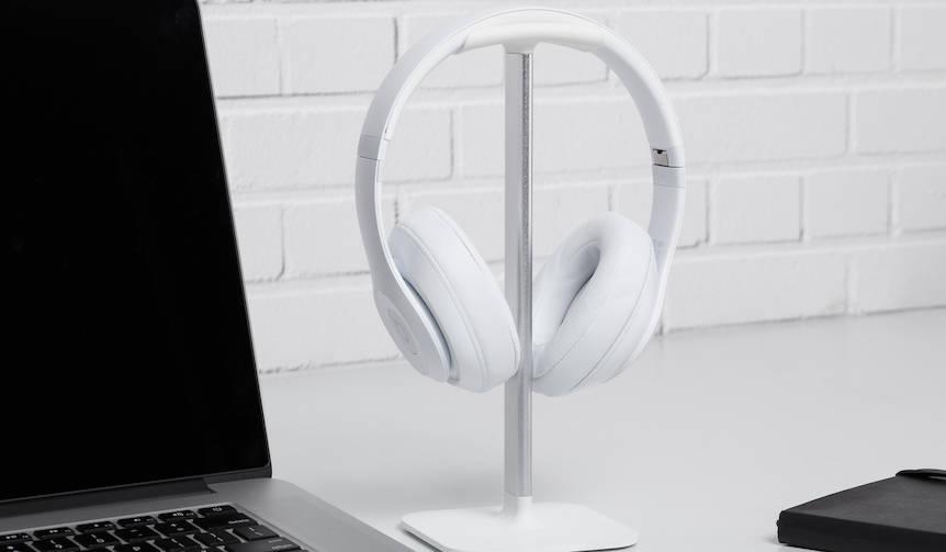 あらゆるサイズのヘッドフォンに対応するスタンド|BLUELOUNGE