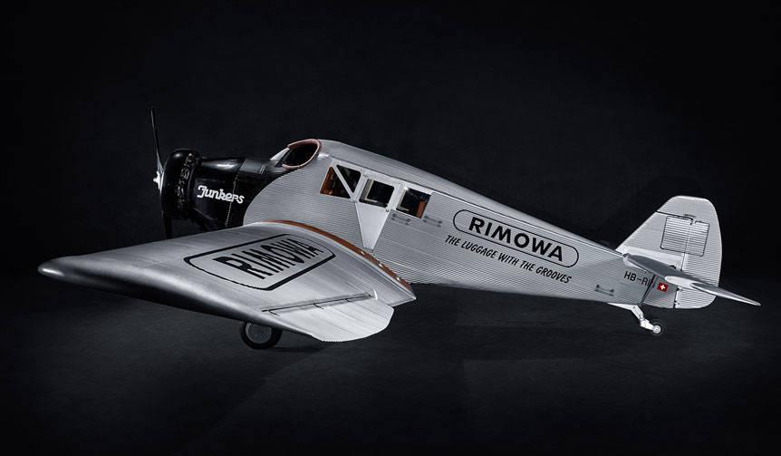 世界最大の航空ショウで航空機「RIMOWA F13」発表|RIMOWA