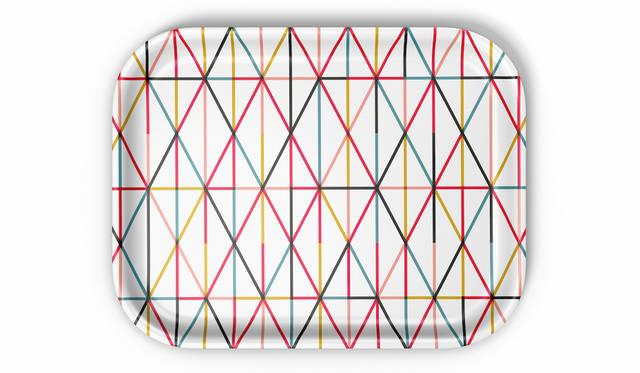 ジラードの名作グラフィックがトレーとなって再登場|VITRA