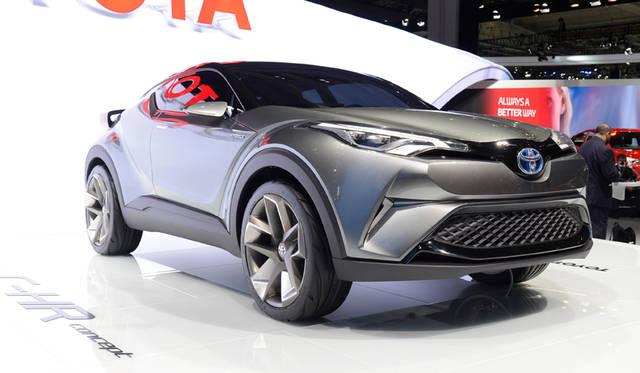 トヨタ、5ドアの小型クロスオーバーコンセプトを出展|Toyota