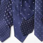 ビジネススタイルをネイビー×白の小紋タイでドレスアップ|FAIRFAX