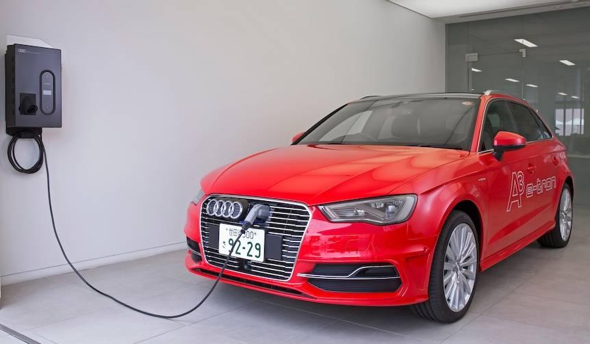 プラグインハイブリッドのA3を国内導入|Audi