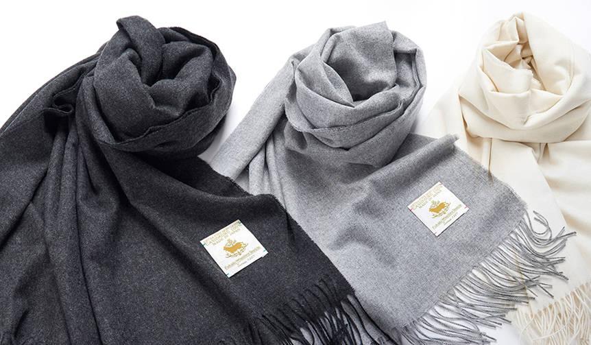 冬のスーツスタイルを格上げする大判カシミヤストール|FAIRFAX