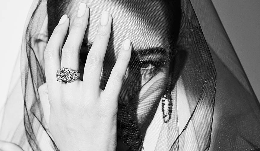 松岡モナがカルティエのダイヤモンドの魅力を多彩に表現|CARTIER