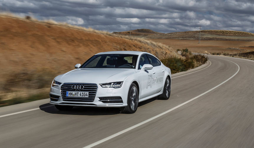 Q7 e-tronとA7スポーツバック h-tronに試乗|Audi