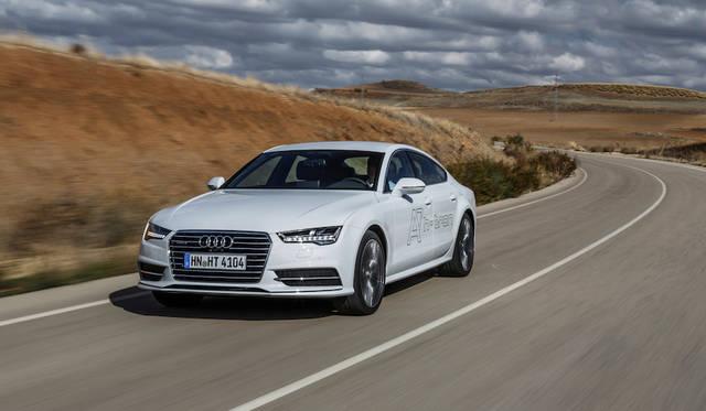Q7 e-tronとA7スポーツバック h-tronに試乗 Audi