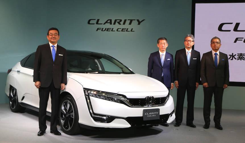 ホンダ、世界初5人乗りFCVセダンを発売|Honda