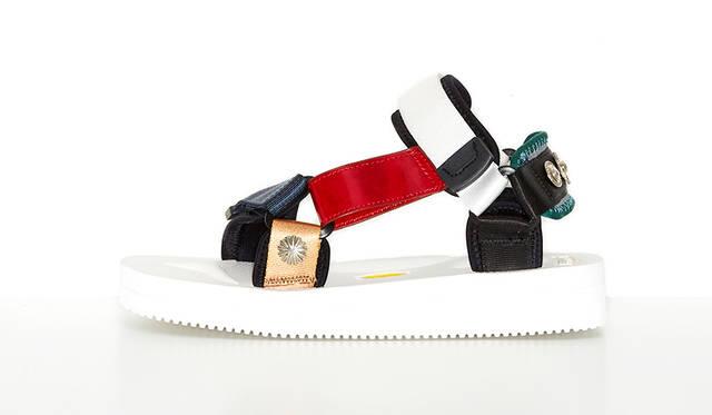 足への負担を軽減させるSUICOKE x TOGA コラボレーションサンダル発売|TOGA