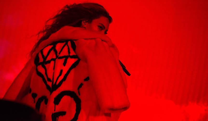 ビヨンセ 世界ツアーでアレッサンドロ・ミケーレ デザインのコスチュームを発表|GUCCI