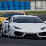 ランボルギーニ・ウラカンLP580-2にモトGPのコースで試乗|Lamborghini