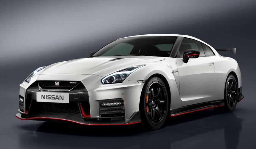 GT-Rニスモ2017年モデルをニュルブルクリンクで初披露|Nissan