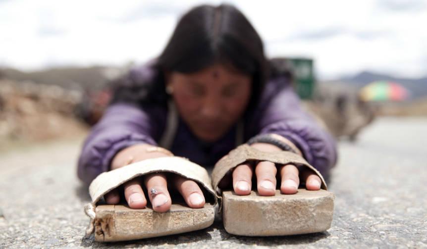 チベットの壮大な巡礼旅を描くロードムービー『ラサへの歩き方〜祈りの2400km』 MOVIE