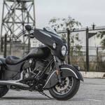 マットブラックペイントをまとう「チーフテン・ダークホース」|Indian Motorcycle