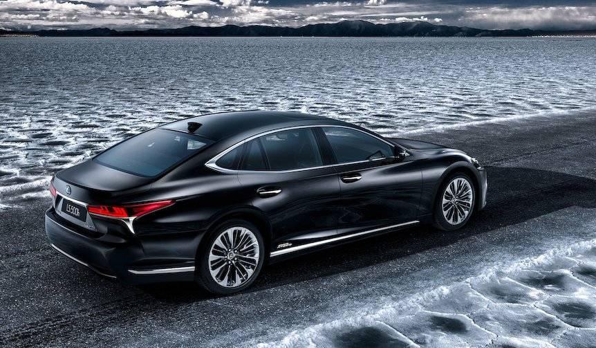 新型LSのハイブリッドモデルを予告|Lexus
