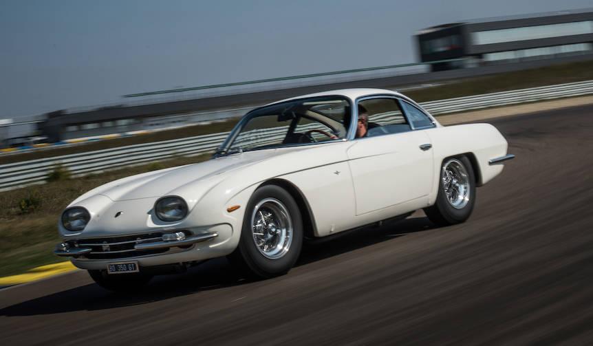 ランボルギーニ初の量産車「350GT」をレストアし、パリで披露|Lamborghini