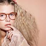 モデルにロッティ モスを起用した2017年春夏アイウェア キャンペーン|CHANEL