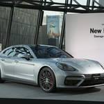 パナメーラ ターボの日本仕様を初披露|Porsche