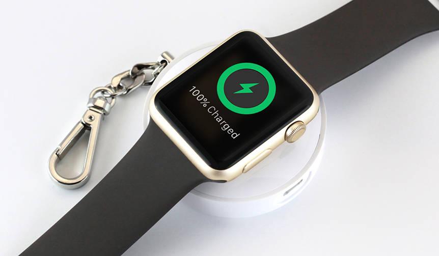 Apple Watchをどこでも充電。キーホルダー感覚のモバイルバッテリー |TUNEWEAR