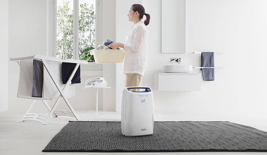 コンパクトボディに最大級の除湿パワーを搭載した衣類乾燥除湿器|De'Longhi
