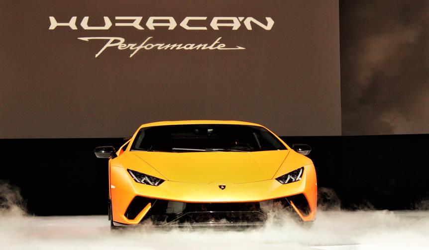 ウラカン ペルフォルマンテ日本上陸|Lamborghini