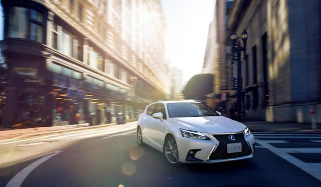 マイナーチェンジを受けた新型レクサスCTがデビュー|Lexus