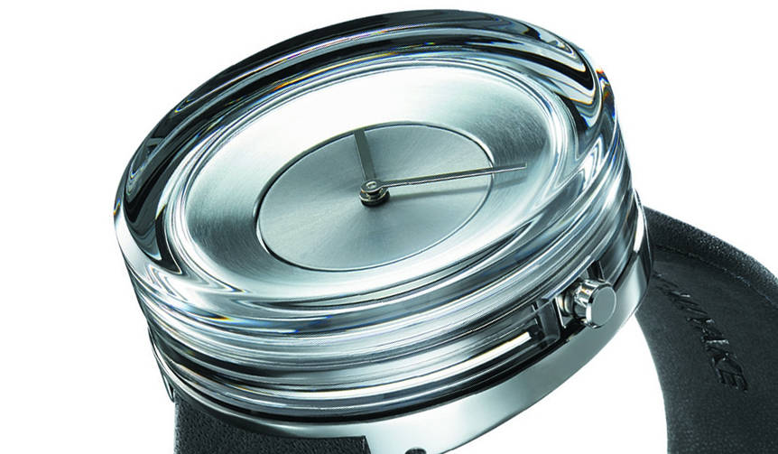 これはまるで光のオブジェ! 吉岡徳仁デザインのガラスの時計 ISSEY MIYAKE WATCH