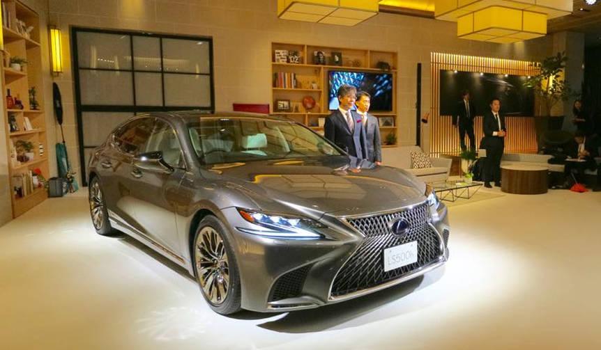 レクサスのフラッグシップセダン新型「LS」発売|Lexus