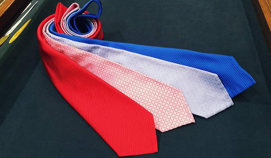 伝統の手技で生み出される7つ折りネクタイ「セッテピエゲ」|Hayama Shirts