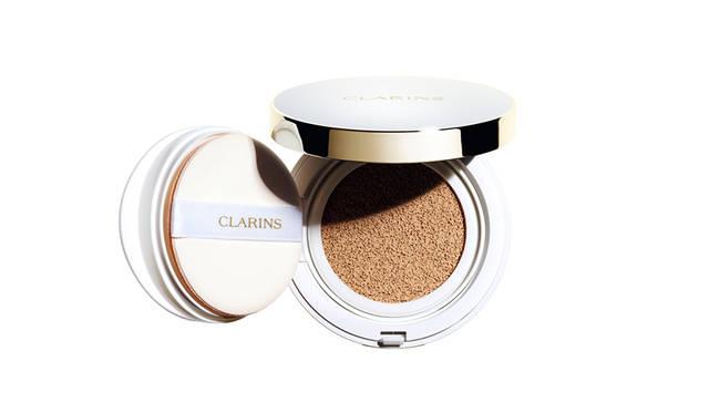 【1/19発売】美しい潤いのツヤ肌が続く、待望のクッションファンデーション登場|CLARINS