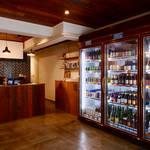 約100種類ものクラフトビールが取り揃う「The Slop Shop」|LOUNGE