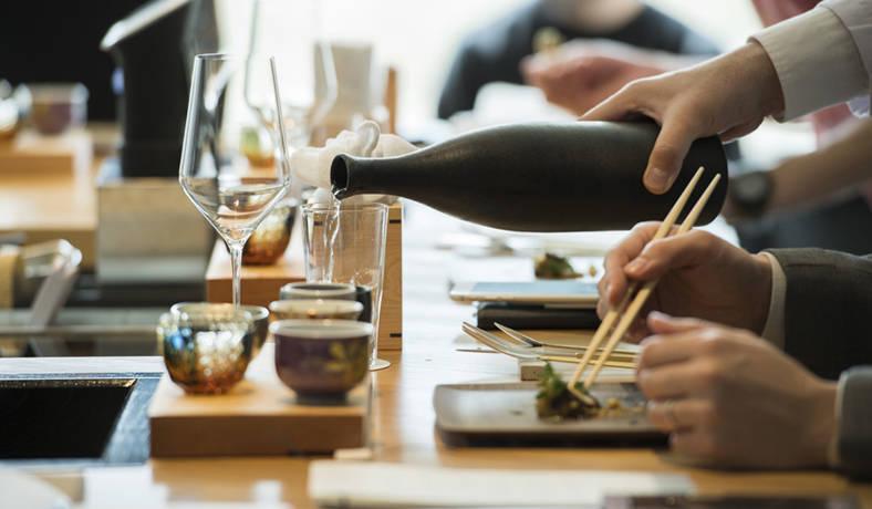 「酒づくりの神様」と「美食のまち」を堪能する「Saketronomy(サケトロノミー)」開催|LOUNGE