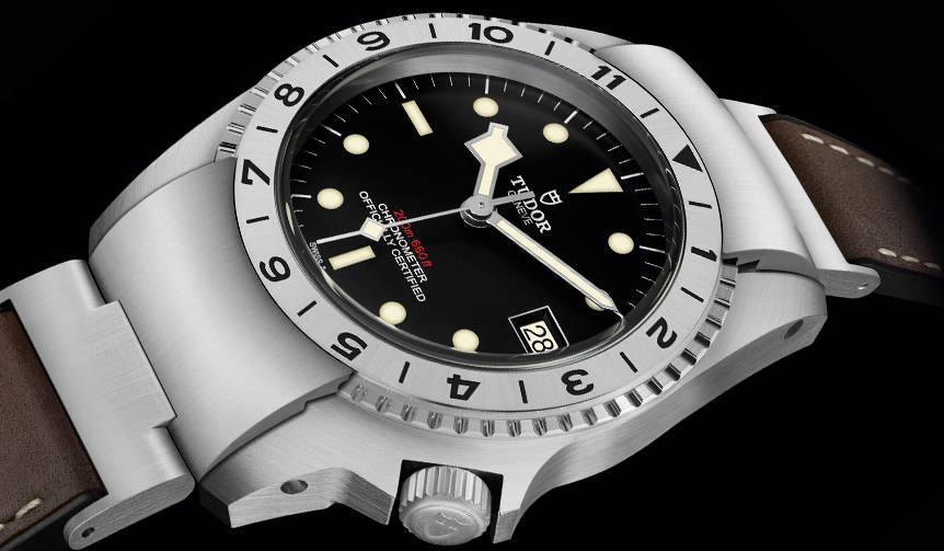 チューダーのダイバーズウオッチの歴史を具現化。現代の実用時計「ブラックベイ P01」|TUDOR