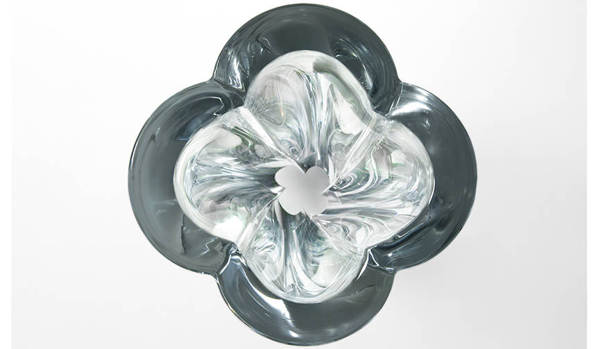 吉岡徳仁氏が、ルイ・ヴィトンより新作「Blossom Vase」を発表|LOUIS ...