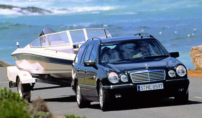 E430ステーションワゴンアバンギャルド登場|Mercedes-Benz