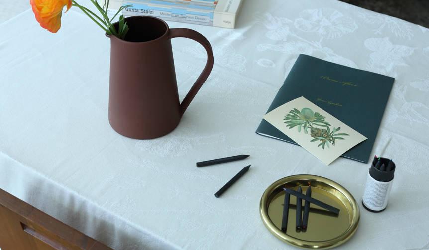 粘土の特性を熟知したスペシャリストによるピッチャー Another Country