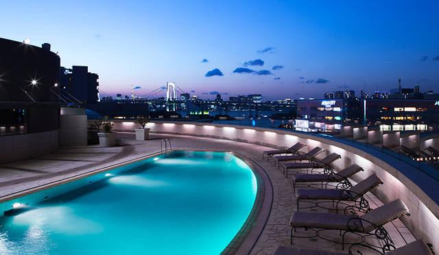 東京の夜景 × ナイトプールという贅沢体験|Grand Nikko Tokyo Daiba