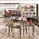 日本最大級の路面店「バーバリー 新宿」がオープン Burberry ギャラリー