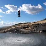 """""""空中セグウェイ""""−−直立人間が、ジェット噴射で自在に浮遊 BREITLING ギャラリー"""
