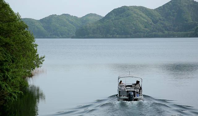 猪苗代湖と ボートと 楽しみたい仲間たち|YAMAHA ギャラリー