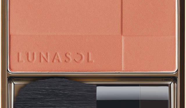 【1/11発売】今年20周年を迎えるルナソルの春メイク|LUNASOL ギャラリー