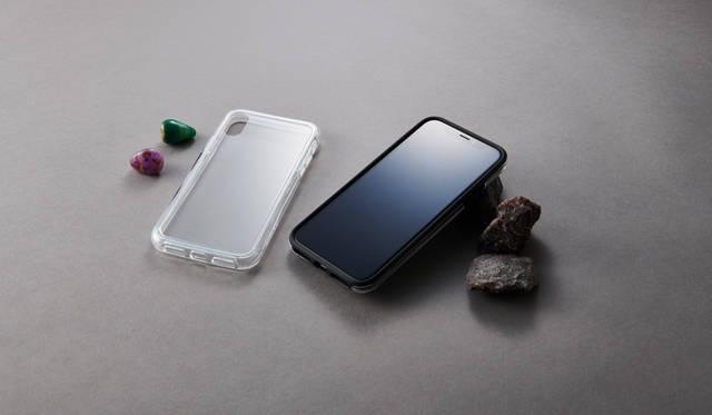 AGC旭硝子社製の強化ガラスを採用。iPhone XR用背面ガラスケース|Simplism ギャラリー